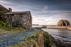 Mullion Harbour (_ justintheframe_) Tags: nikon cornwall harbour tonemapped mullionharbour d300s justintheframe