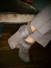 Low Boots (paul-henri) Tags: woman leather grey highheels femme pieds chaussures cuir bottines lowboots talonhaut