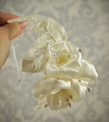 Flower Fascinator - Bridal hair Fascinator silk flowers and lace wedding headband - Ready to Ship (January Rose Bridal) Tags: ivory bridalveil hairpiece hairaccessories silkflower bridalflower flowerhairclip flowerhairpiece bridalheadband bridalfascinator flowerfascinator coutureweddingveil