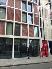 London centre building, from taxi (Julie70 Joyoflife) Tags: london speech thursday storytelling iphone baml photojuliekertesz bankofamericamerryllynch hubdotcom firstoutingafterbonebreak
