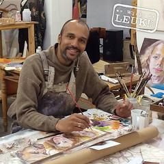 Lawrence Kwakye - kunstenaar en ontwerper (Leuk!070) Tags: people schilder magazine scheveningen kunst lifestyle denhaag galerie rijswijk voorburg uit leidschendam mensen leuk feelgood 070 realpeople vrijetijd nootdorp wijzijnleuk070 cultuurkunstenaar leuk070