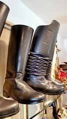 Schuhmacher Hiegl (CA_Rotwang) Tags: germany bayern deutschland bavaria boots handmade oberbayern craft tradition dachau handwerk schuhmacher stiefel tracht reitstiefel odelzhausen faltenstiefel kutscherstiefel