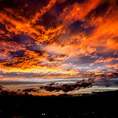 Just the end of the day (bart.kwasnicki) Tags: travel sunset red sky nature clouds fire sydney zachod