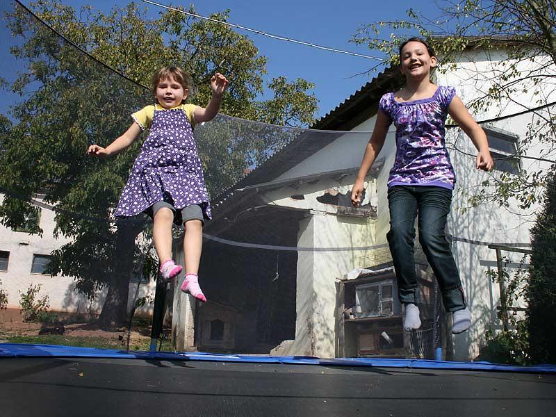 Noudlsberger Hof - Kinder auf dem Trampolin
