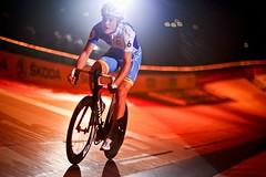 Sixday-Nights Zrich (Patrick Frauchiger) Tags: sport night cycling switzerland track zurich rad racing pro nights zrich bahn rennen velo sixdays sechstagerennen rennrad radrennen silvan 2011 hallenstadion radsport xoo sixday bahnsport 6tagerennen bahnrennen dillier xooradsport sixdaynights sixdayszuerich xoocycling