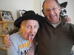 Ron with his 'ghost' Chris Pickard in January 2010 (Ronnie Biggs The Album) Tags: ronnie biggs greattrainrobbery oddmanout ronniebiggs ronaldbiggs