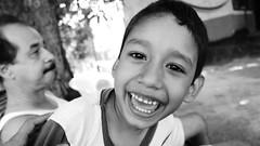 l quiere salir en todo. (Csar Orantes ) Tags: portrait black blanco y withe retrato negro nio chiapas pijijiapan