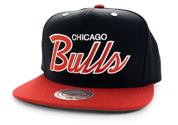 NBA Mitchell & Ness - CHICAGO BULLS Snapback Hat Cap Script Black Red