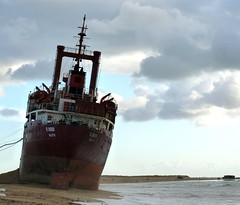 The TK BREMEN , freighter at a time and now a shipwreck in Brittany, FRANCE, L'pave du TK BREMEN, Morbihan (Phil Nistre) Tags: ocean blue sea mer storm france water brittany dunes bretagne cargo breizh shipwreck morbihan joachim freighter tempte pave cargoboat erdeven tkbremen