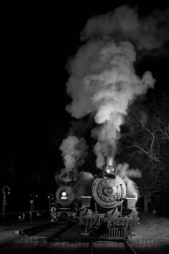 """Smoke and a meet • <a style=""""font-size:0.8em;"""" href=""""https://www.flickr.com/photos/20365595@N04/6662941149/"""" target=""""_blank"""">View on Flickr</a>"""