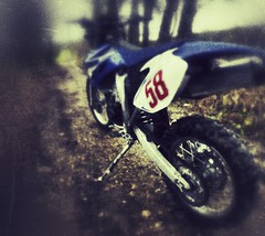 "Yamaha WR450F ""RIP SIC"" (Pete Newman) Tags: yamaha marco photostream 58 iphone wr450f simonchelli"