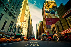 Hotel New Yorker (Fabio Sabatini) Tags: sky newyork fire hotel downtown chelsea unitedstates manhattan wideangle newyorker lane hm avenue 8th