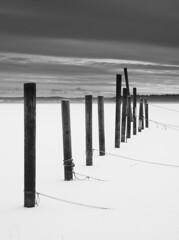 Monopoles (- David Olsson -) Tags: winter blackandwhite bw lake snow monochrome mono nikon sweden hard january karlstad lee 1750 poles ropes 06 grad tamron vnern 2012 linedup vrmland gnd 1750mm d5000 kanikenset davidolsson kanikenshamnen ginordicjan12