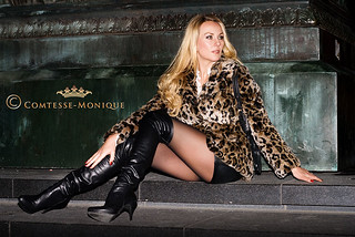 Comtesse-Monique_leather mini skirt, leo jacket and overknee boots