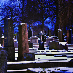 Himmel - Helvete (Dirigentens) Tags: graveyard heaven sweden hell himmel graves sverige gravestones kyrkogrd helvete greatphotographers gravstenar gravar strakyrkogrden mygearandme mygearandmepremium greaterphotographers fotosondag greatestphotographers fs120129 himmelhelvete rememberthatmomentlevel1