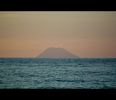 (L-L Photography) Tags: sea italia mare sicilia messina vulcano