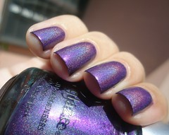 LOL  China Glaze! (Bru! (:) Tags: lol nailpolish roxo esmalte importado chinaglaze hologrfico