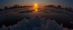 Flußkreuzung im Sonnenaufgang (schoenchen) Tags: d magdeburg sonnenaufgang elbe alte sachsenanhalt deutschlandsachsenanhalt flusgabel