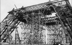 Строительство Эйфелевой башни, 1887 год