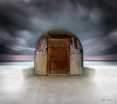 The Pump House (Kiall Frost) Tags: door longexposure sunrise le pumphouse newcastlebaths kiallfrost