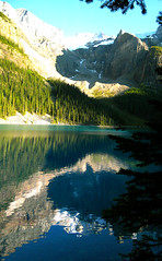 Moraine Lake Reflection (Alan FEO2) Tags: trees mountain canada water outdoors jasper ab alberta relection banff lakelouise banffnationalpark morainelake 2oef