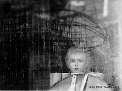 Abandone (JEAN PAUL TALIMI) Tags: texture troyes noiretblanc champagne femme rue reflets ville brume vieux vitrine aube talimi
