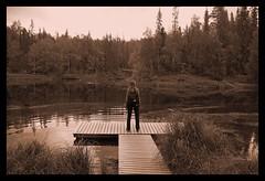 La ragazza del lago - The girl of the lake (RaSeLaSeD - Il Pinguino) Tags: lake girl lago lapland sentiero ragazza lapponia karhunkierros