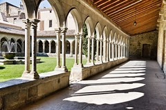 Abbey Saint Hilaire (Thelma Gatuzzo) Tags: city travel light cidade france abbey saint architecture de europe frana medieval carcassonne cataros turism hilaire catars sainthilaire mygearandme mygearandmepremium mygearandmebronze blinkagain thelmagatuzzo thelmagatuzzo rousseilon