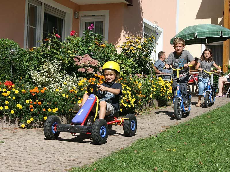 Lindenhof Hausmann - Kinderfahrzeuge