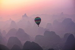 Lost in the mist (Javier_CD) Tags: china morning travel pink light mist mountain nature colors beautiful beauty sunrise wonderful landscape photography freedom asia peace top awesome balloon dream amanecer stunning faves saariysqualitypictures bestcapturesaoi elitegalleryaoi mygearandme aboveandbeyondlevel1 flickrstruereflection1 masterclasselite