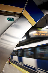 Metro de Madrid, Callao (RISION❤) Tags: madrid art graffiti sticker metro pegatina callao metromadrid rision