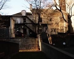 Montréal, 03 déc. 2011. Le 980, rue Cherrier. (DubyDub2009) Tags: architecture montréal québec histoire quartierlatin ruecherrier