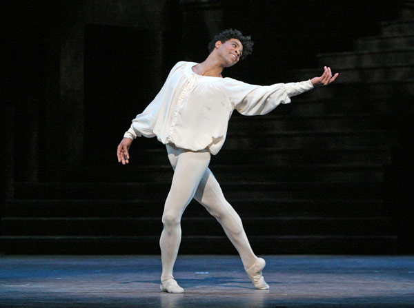 Carlos Acosta in Romeo and Juliet © Dee Conway/ROH 2011