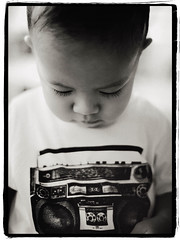 I Can't Live Without My Radio (Alfonso T) Tags: boy radio 50mm tshirt oldschool llcoolj d700
