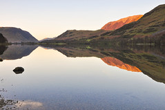 DSC_0263  Buttermeres Last Light (wilkie,j ( says NO to badger cull :() Tags: winter mountains nature water reflections landscape nikon colours lakes lakedistrict cumbria nationalparks nationaltrust buttermere