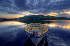 set me free (gobayode photography...times) Tags: reflections boats boat derbyshire lakes reservoir canoe ladybowerreservoir ladybower watertransport ashopton boatonlake upperderwent