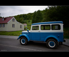 (snorri.s) Tags: old house car iceland gamall akureyri hs bll jeppi snorris