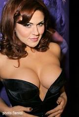 Roxy d Lite (photolenvol) Tags: amour salon seduction monde et ose