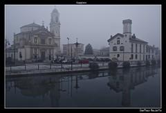 Il Naviglio e la nebbia........The Ship and the fog...... (Jean-Pierre54) Tags: milano brina nebbia inverno barocco gaggiano mygearandme chiesadisantinvenzio