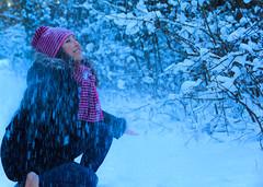 (hector melo) Tags: winter sky woman white cold color blanco ice colors girl beauty forest walking landscape clothing mujer chica looking sweden nieve paisaje colores bosque cielo mirar caminar laughter invierno frio hielo ropa belleza suecia risas senxual estocolno senxualsnow