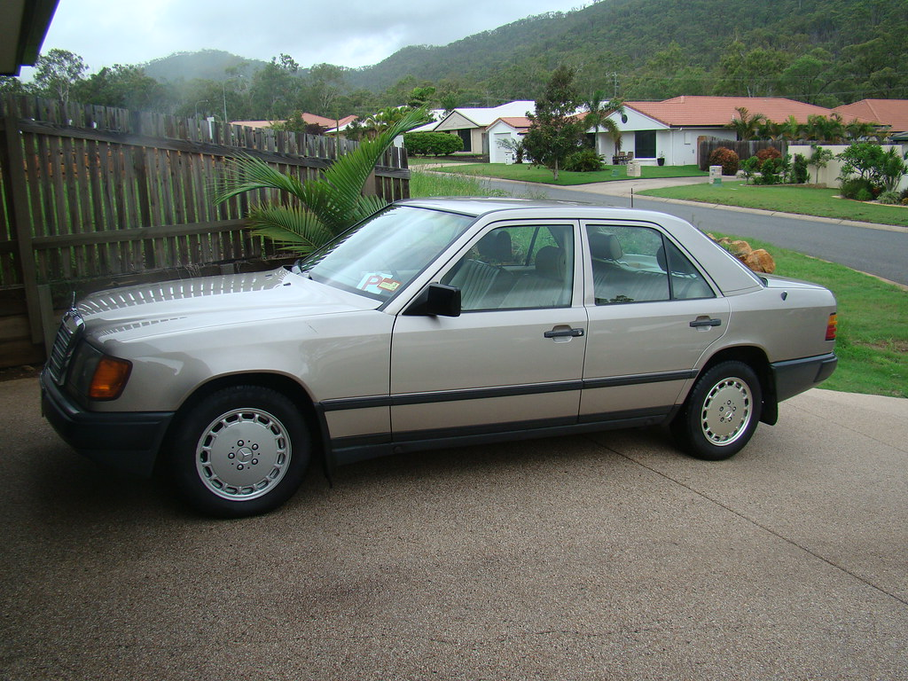 The world 39 s best photos by cjn1990 flickr hive mind for 1989 mercedes benz 260e