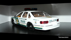 "Chevrolet Caprice Police ""Metro Dade"" - UT Models (-Yannewvision-) Tags: old chevrolet toy miniature frankreich police spielzeug jouet caprice miniatur lightbar alten ミニチュア policepatrol aerodynic utmodels metrodade シボレー copscar yannewvision シボレーカプリス 警察の車"