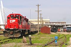 Cp 4521 + Milw 261 + Point St. Charles (Milwaukee beerNut) Tags: milwaukee cp 261 gp382