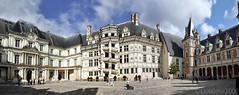 Chateau Blois castle UNESCO site France 2009 passez souris sur l'image Cross mouse on the image (geolis06) Tags: geolis06 europe europa france blois chateaublois bloiscastle unesco unescosite patrimoinemondialdelunesco unescoworldheritagesite leschâteauxdelaloire castlesofloire