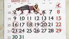 128/366: counting the days (Andrea  Alonso) Tags: original red selfportrait me spain paint calendar artistic yo days galicia 365 autorretrato vigo pintura minime calendario miniyo 366
