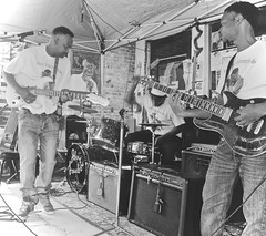 Gritty Hill Country Blues by - WATCH.. juke joint festival 2016 (Shein Die) Tags: blackandwhite bw musicians mono nikon candid livemusic streetscene performers guitarists clarksdale robertkimbrough jukejointfestival2016 robertkimbroughsr catheaddeltabluesandfolkartstore