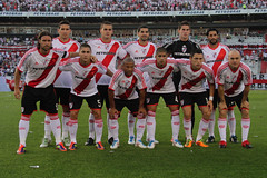 River vs. Central II (peretti) Tags: soccer afa ftbol footbal calcio riverplate ascenso millonario canalla estadiomonumental rosariocentral cavenaghi canon7d fecha16 bnacional ascensoargentino fedeperetti choridomnguez