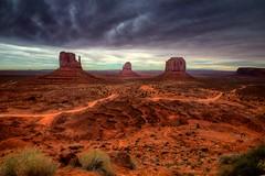 Monument Valley, AZ (Chris Metzguer Photography) Tags: az monumentvalley tonemapped
