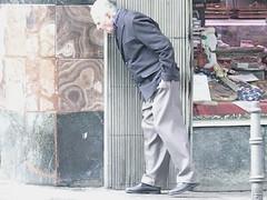 El Lapo/The Gob (Joe Lomas) Tags: madrid street leica urban espaa calle spain candid reality streetphoto urbano urbanphoto realidad callejero robados realphoto fotourbana fotoenlacalle fotoreal leicaphoto