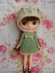 New Set for Middie (Leshan1) Tags: hat crochet leshan feltedhat dolldress dollcrochet blythecrochet middieblythe
